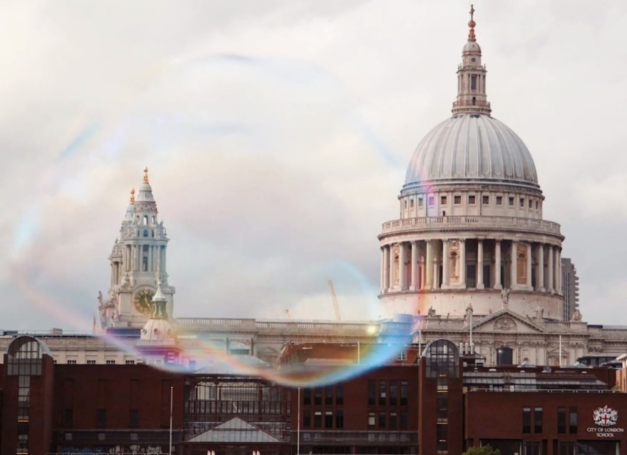 Discover students' experiences in London >