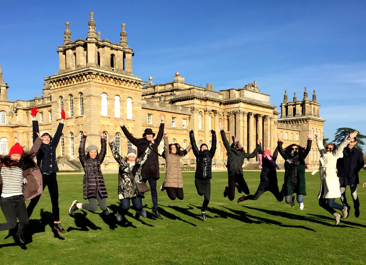 Art and Business students enjoying the sights of Blenheim Palace >
